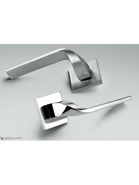 Дверная ручка на квадратной розетке COLOMBO Isy BL11RSB-CR полированный хром