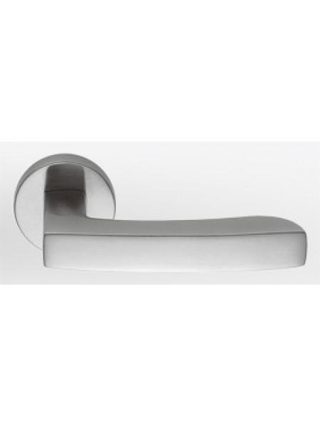 Дверная ручка на круглой розетке Colombo Viola Ar21R Cromat Хром матовый