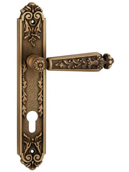 Дверная ручка Linea Cali на планке EPOCA 1210 PL YALE PM