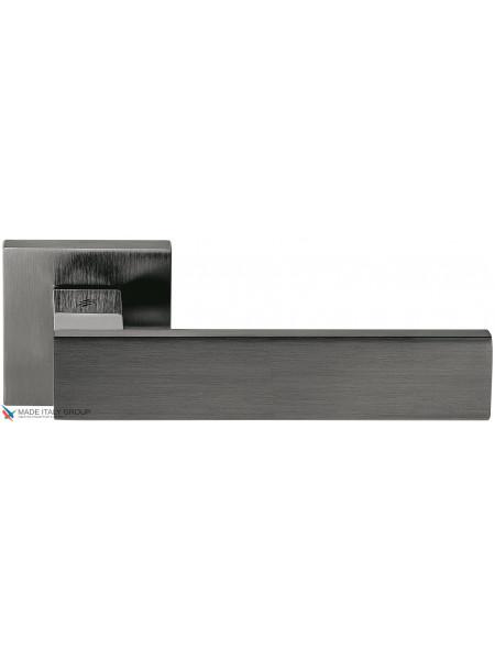 Дверная ручка на квадратной розетке COLOMBO Alba LC91RSB-GLS графит / матовый графит